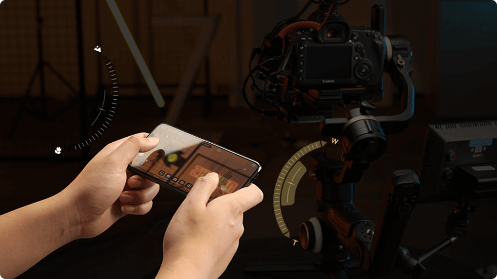 Stay Focused All the Way: TransMount Image Transmission System supports zoom/focus control via phone app or remote controller. You can even customize sensitivity of zoom/focus control to your own needs for optimal experience. Timelapse Master